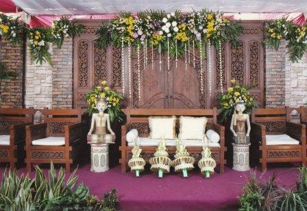 dekorasi pelaminan outdor minimalis di surabaya hub